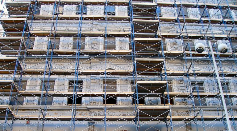 Scaffolding and building defects
